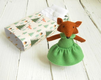 Small felt creature red fox in matchbox little stuffed animal emerald green woodland nursery decoration plush miniature little girl gift