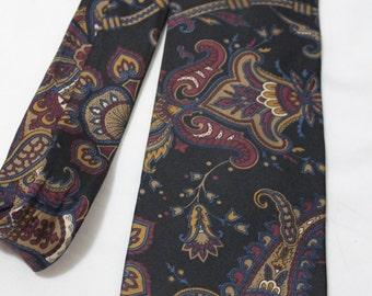 Vintage IZOD 3.75 Inch Wide Silk Necktie, Black Paisley
