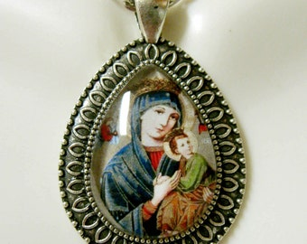 Our Lady of Perpetual Help pendant with chain - AP15-047