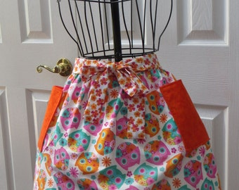Lined half-apron with ruffles Vibrant Owls with Complimentary Floral Print Ties