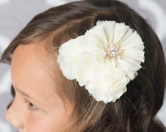 Cream flower Clip, Ivory hair clip, brial hair piece, girl birthday gift, girl party favor favor, gold hair clip, wedding flower girl