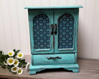 Turquoise Shabby Chic jewelry box, Barnwood Hand painted jewelry box, Farmhouse decor