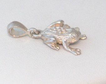 Sterling silver 2-D vintage frog toad garden pond wildlife animal theme bracelet charm / necklace pendant