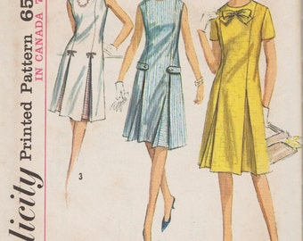 Simplicity 5913 / Vintage 60s Sewing Pattern / Dress / Size 14 Bust 34