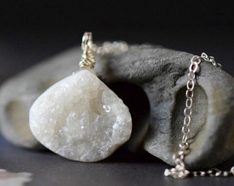 White Druzy Necklace Crystal Druzy Pendant Raw Crystal Cluster Geode White Stone Quartz Necklace Sterling Silver Wire Wrapped Gemstone Gift
