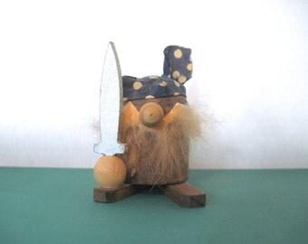 yarrrr, mcm teak PIRATE figurine - 1960s, Hans Bolling Era, Torben Orskov-like, vintage, mid century modern, Viking, ships mate