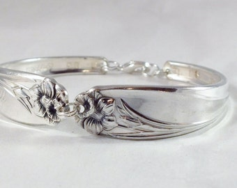 Spoon Bracelet, FREE ENGRAVING,  Bridesmaid Bracelet, Bridesmaid Gift, Personalized Silver Vintage  Silverware Jewelry DAFFODIL 1950