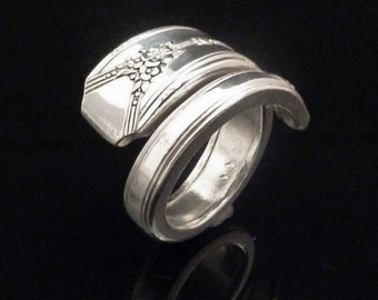 Floral Spoon Ring, Milady 1940