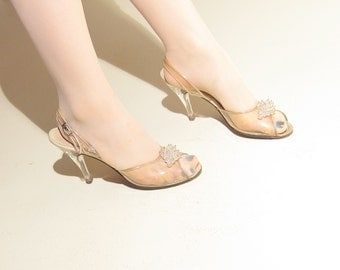 Vintage 1950s Clear Lucite Slingbacks by Erica for Joseph Shoes / 50s Open Toe Sandals with Carved Lucite Heels / 8