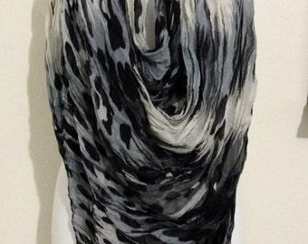 Long Animal Print Wrinkle Infinity Scarf