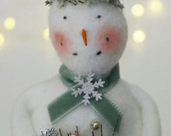 Vintage Inspired Glittery Snowman