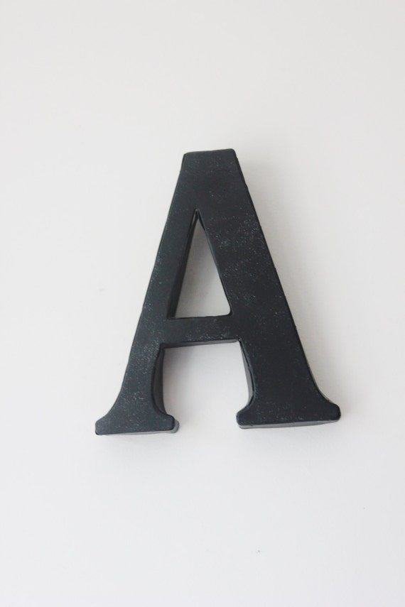 Black metal letter modern zinc steel initial home room decor for Black metal house letters
