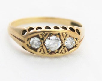 Vintage Ladies Cubic Zirconia Gypsy Three Stone Ring Yellow Gold 9ct 9k | FREE SHIPPING | Size P.5 / 8