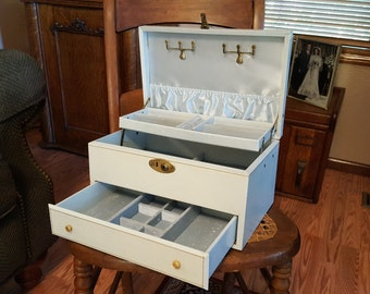 Blue Jewelry Box - Baby Blue - Oak Hill Vintage