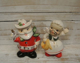 Vintage Western Santa & Mrs Claus Salt and Pepper Shaker Set - Rare