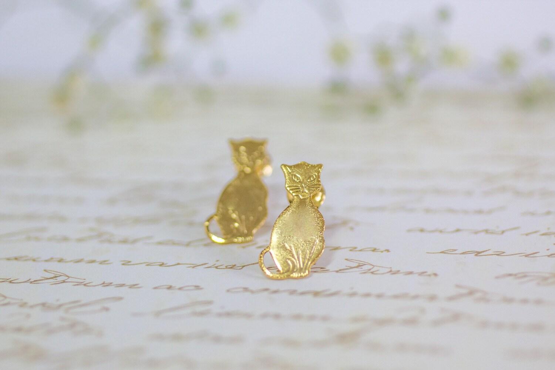 studs gold cat earrings cat earrings by gazellejewelry