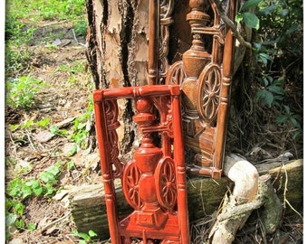 Red Roasted Pepper coffee grinder plaque