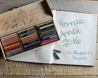 Vintage Nu Pastel Color Sticks / Art / Drawing Supplies