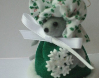 Free Shipping )    Wintergreen is holding a Snowflake is Mouse Ornament Great for animal lover and mice collector By Terrys Country Shop