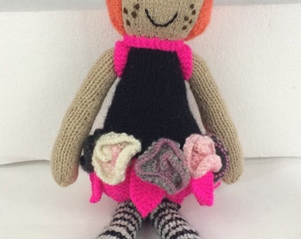 Rosey: Knitted flower doll