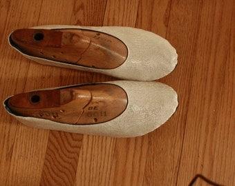 US 10 / Euro 40.5 / UK 8.5, Ivory Silk Slippers #581