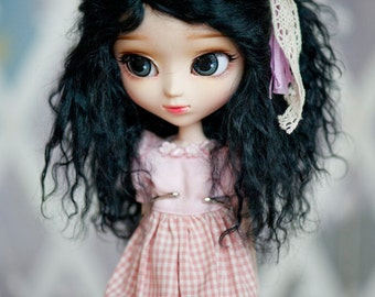 1/3 Size Short Black Wavy Tibetan Mohair Wig for Pullip and SD Dolls