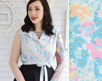 Vintage 1970s Floral Sleeveless Blouse with Matching Waist Tie by Smartique Size Medium