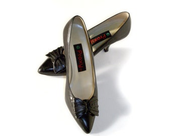 80's Vintage Proxy Black Leather Pumps / Retro Pin Up Black Leather Heels with Bow / Size 8