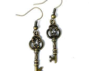 Antiqued Brass Vintage Style Tiny Skeleton Key Dangle Earrings - Bridesmaids Gifts Idea - Bridal Jewelry - CP114
