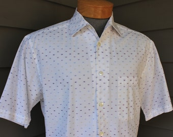 newer vintage -Barry Bricken- Men's short sleeve sport shirt. Retro styling. Woven, fading squares - Optical illusion. Medium
