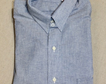vintage 80's -Style Craft- Men's tab collar dress shirt. 'New Old Stock'. Blue Chambray - All Cotton. Split yoke. Made in USA. 15 1/2 - 34