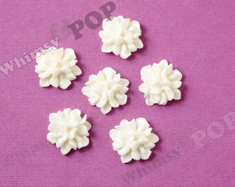 16mm - White Coral Flower Cluster Resin Flatback Cabochons, Flower Cluster Cabochons, Rose Bouquet, Flower Cabochon, 15mm  (R7-100)