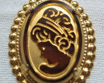 Vintage Tortoise Cameo Pendant 25x18 Glass cabochon QTY - 1