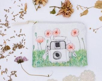 Poppy Flower Bag. Floral Makeup Bag. Cosmetic Bag. Mini Zipper Pouch. Vintage Camera. Fabric Design. Coin Purse Wallet. Pencil Case.