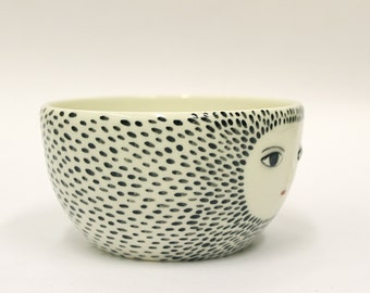 Spotty bowl with sculpted face -  cereal bowl