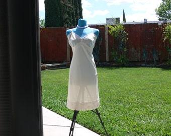 vanity fair nylon cream dress slip size 42