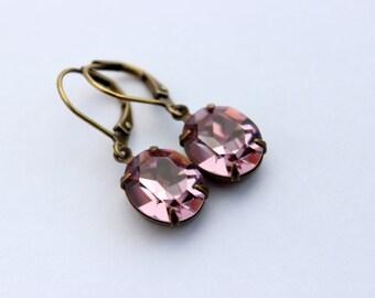 Swarovski Light Amethyst earrings, Pale Purple earrings, Oval Swarovski earring, Amethyst earrings, oval earrings,  Bridesmaid earrings A02