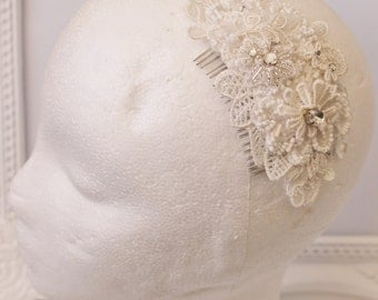 Embellished Floral Lace Bridal Hair Comb in off white lace