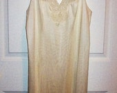 Vintage Ladies Off White Slip w/ Lace Trim by Bali Size 36 Only 6 USD