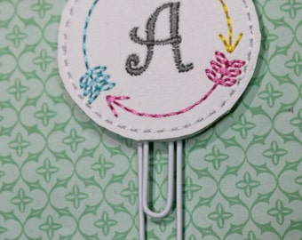 Arrow monogram frame paperclip, Monogram vinyl paperclip with three arrows for planners, agendas, Planner accessory paperclip