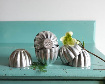 Set of 6 vintage aluminum Jell-O Molds, Vintage Jello-O Scalloped Molds Vintage Set of 6, vintage kitchen decor, antique jello molds