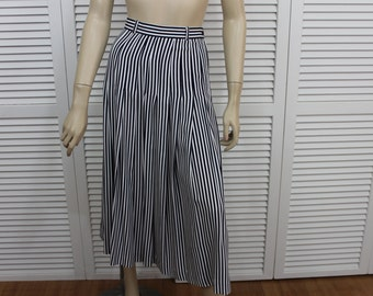 Vintage Striped Skirt Black And White Outback Red Size 6
