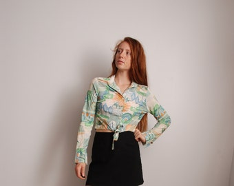 70s novelty print cropped top long sleeve shirt green small womens vintage fashion