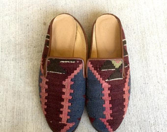 Vintage Kilim Wool Embroidered IKAT Southwestern Slip On Skimmer Flats // Women's size 35 5