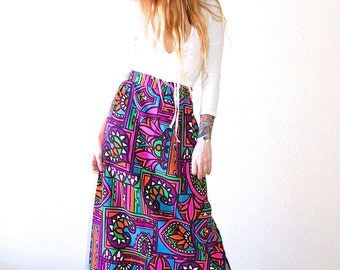 Gorgeous 70's High Waisted Colorful Floral Abstract Hippie Woodstock Long Maxi Skirt // Women's XS Small S