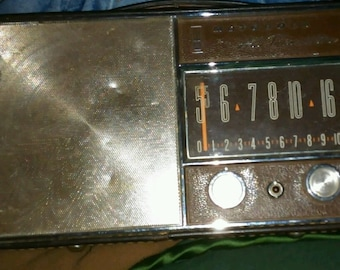 Vintage Motorola All Transistor Radio Model X51N