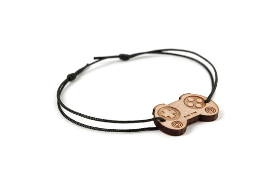 Controller bracelet - 25 colors - geek bangle - unisex - adjustable bracelet - lasercut maple wood - graphic nerd jewelry - video game