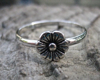 Cute Vintage 925 Sterling Silver Flower Stacking Ring