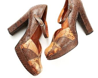 S.U.P.E.R SALE were 250 now 125 amazing VINTAGE 70s brown tan SNAKESKIN platform heels