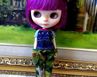 Dark blue peasant top for blythe and similar size dolls